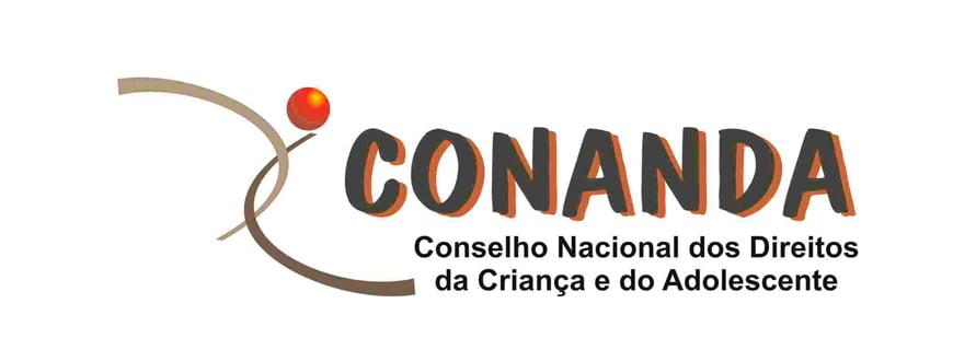 Simbolo do Conanda, parecido com um X e uma bola laranja na ponta superior direita.