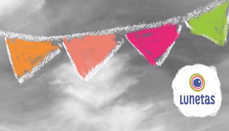 """Ilustração de bandeirinhas coloridas em um fundo cinza, com o logo do """"Lunetas""""."""