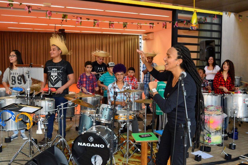 """Banda Alana no """"Arraial da Comunidade"""" -  Foto: Márcia Duarte e Walmir Inácio."""