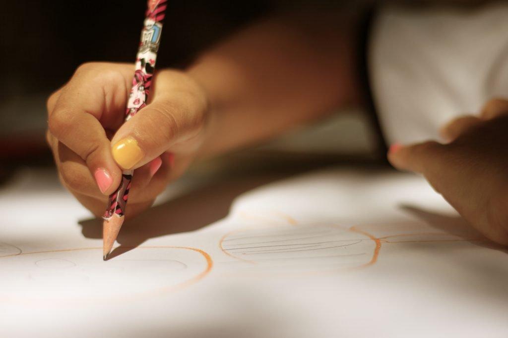 desenho-papel-e-lápis